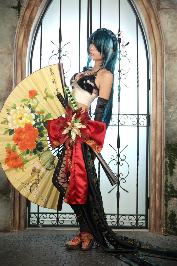 vocaloid-knife-cosplay-05.jpg