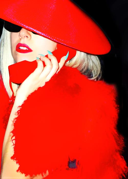 LadyGagatelephone.png