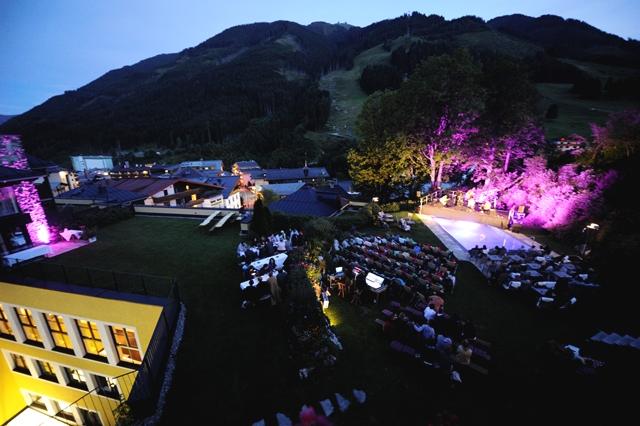 Rooftop Konzert 2 web.jpg