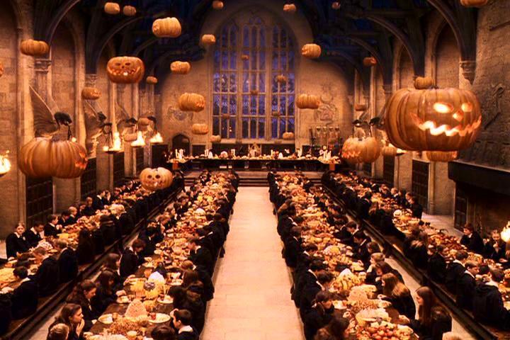 Grosse_Halle_Halloween.jpg
