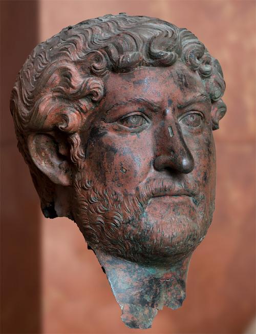 Bronzekopf_Hadrian_2.jpg