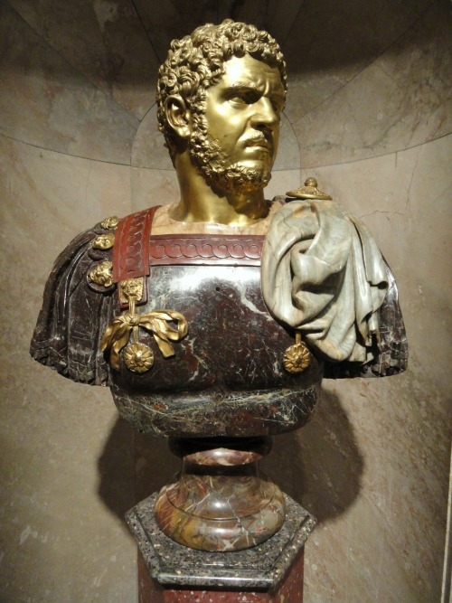 Caracalla-_Bueste.jpg