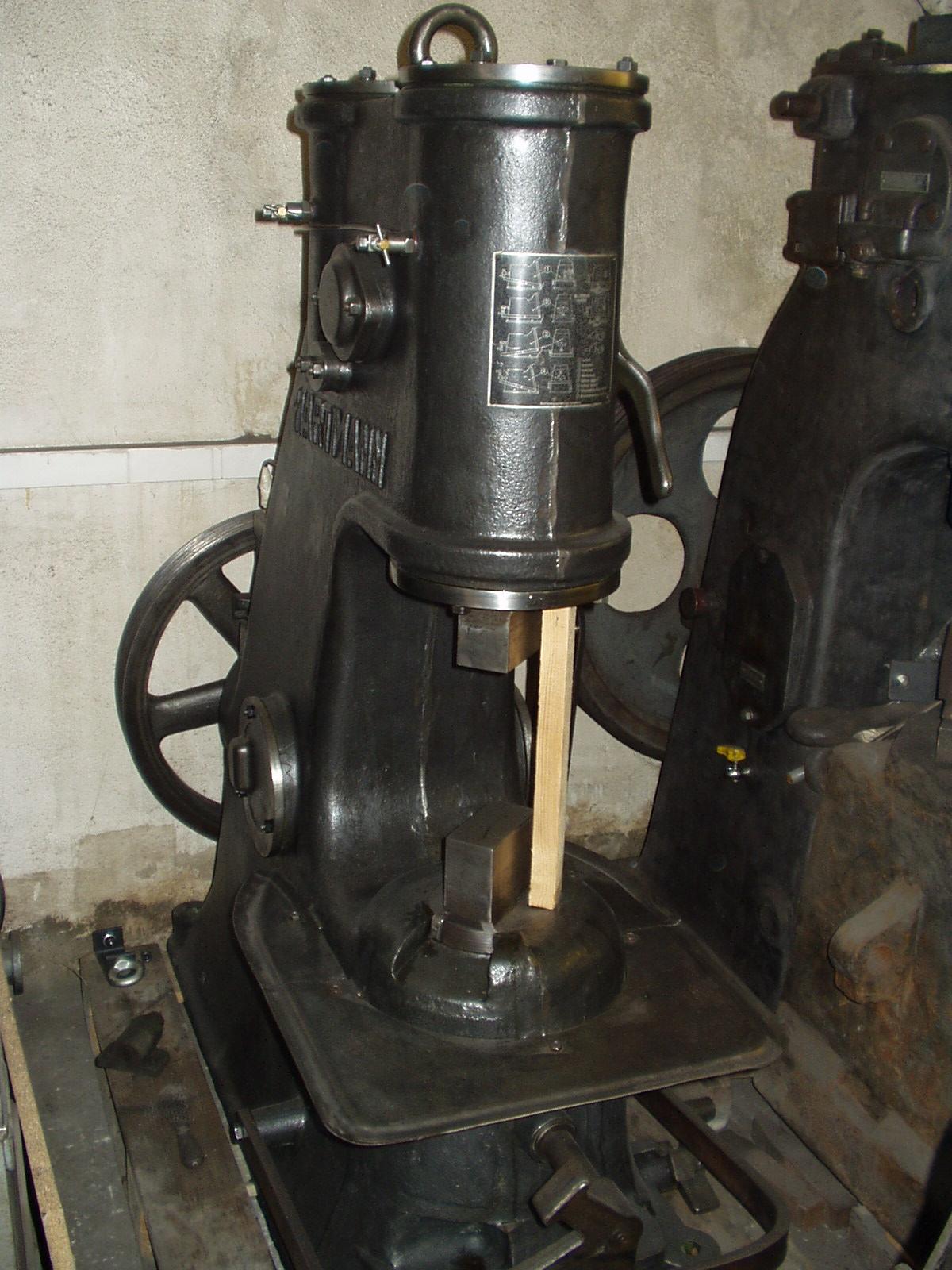 Lufthammer HARTMANN Nr. 1621 - Schmiede das Eisen