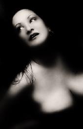 woman-377482_6401klein.jpg
